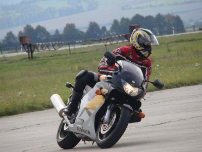 Jaké zvolit funkční prádlo na motorku?