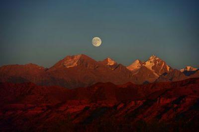 Pod tvrdou slupkou Kyrgyzstánu